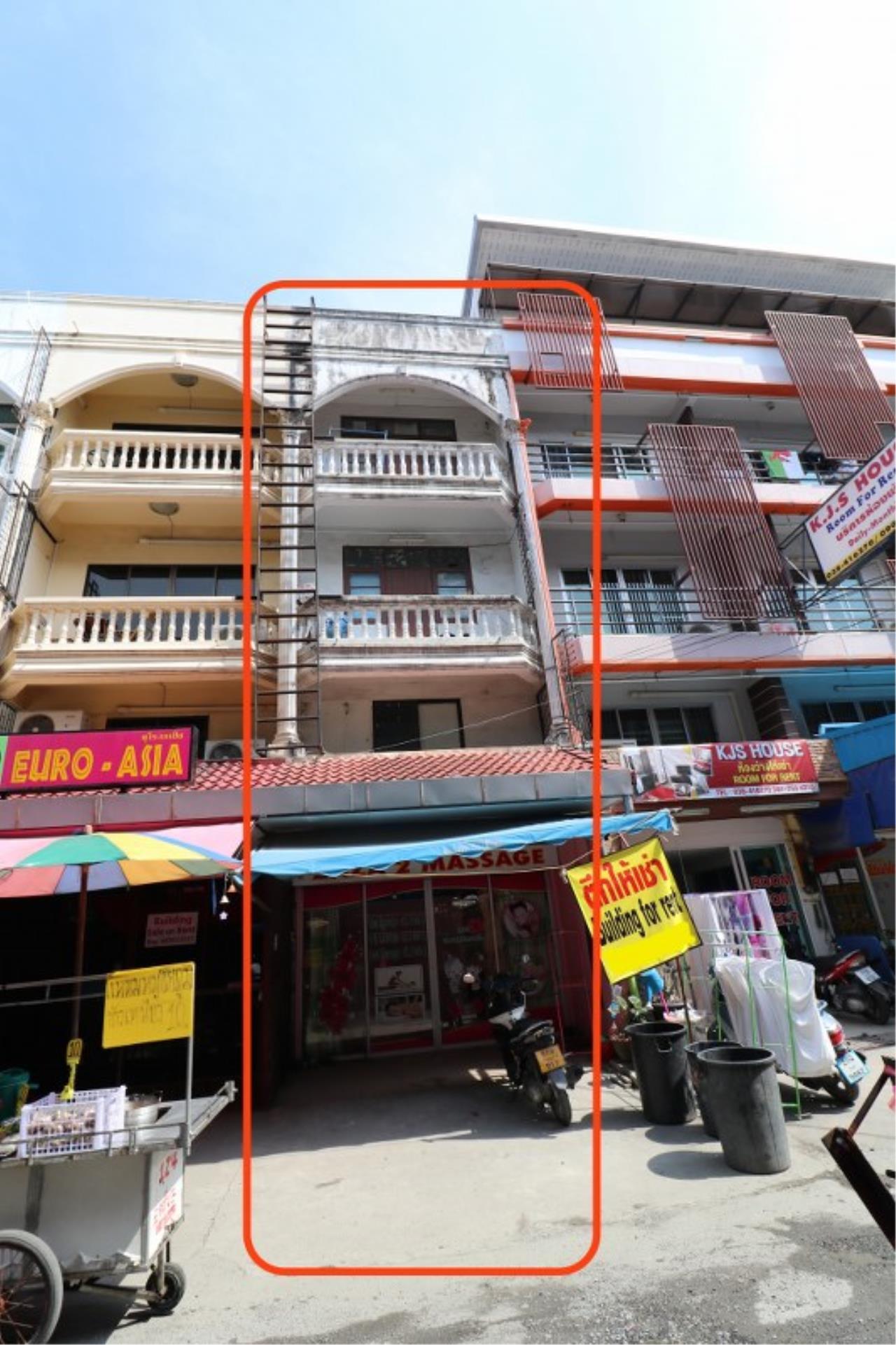 Signature Realty ( Thailand ) Co Ltd Agency's Commercial Building 4 BR 4 storey for RENT- Soi Chalerm Phrakiat/Pattaya Lagoon, South Pattaya 1