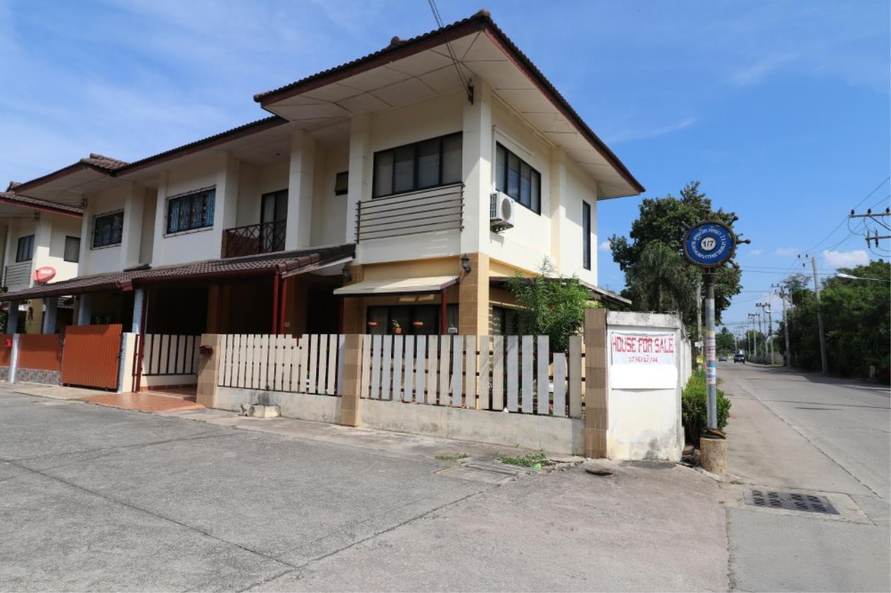 Signature Realty ( Thailand ) Co Ltd Agency's 2 Bedroom House for SALE - Laphat Thana Village Naklua 1