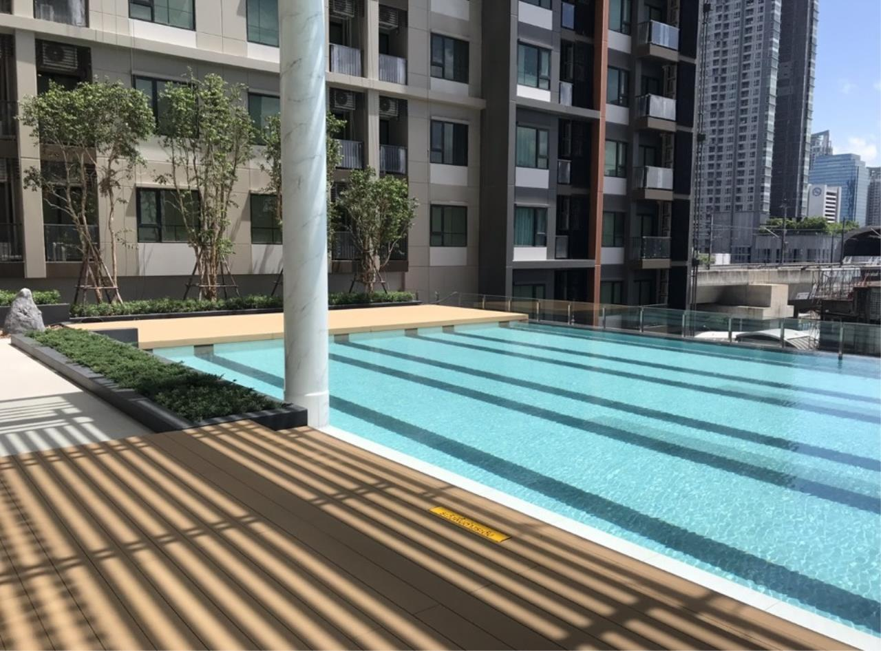 All Living Real Estate Co., Ltd Agency's  Life Asoke  5