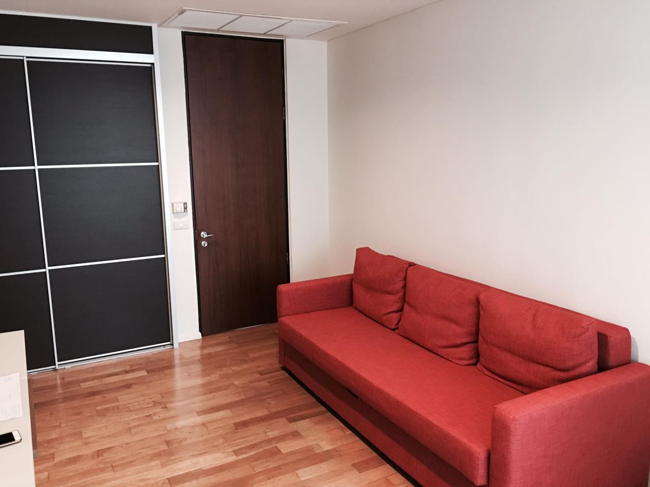 RE/MAX BestLife Agency's The Lakes, 2 Bedroom, 90K, 176SQM, High Floor, Asok 15
