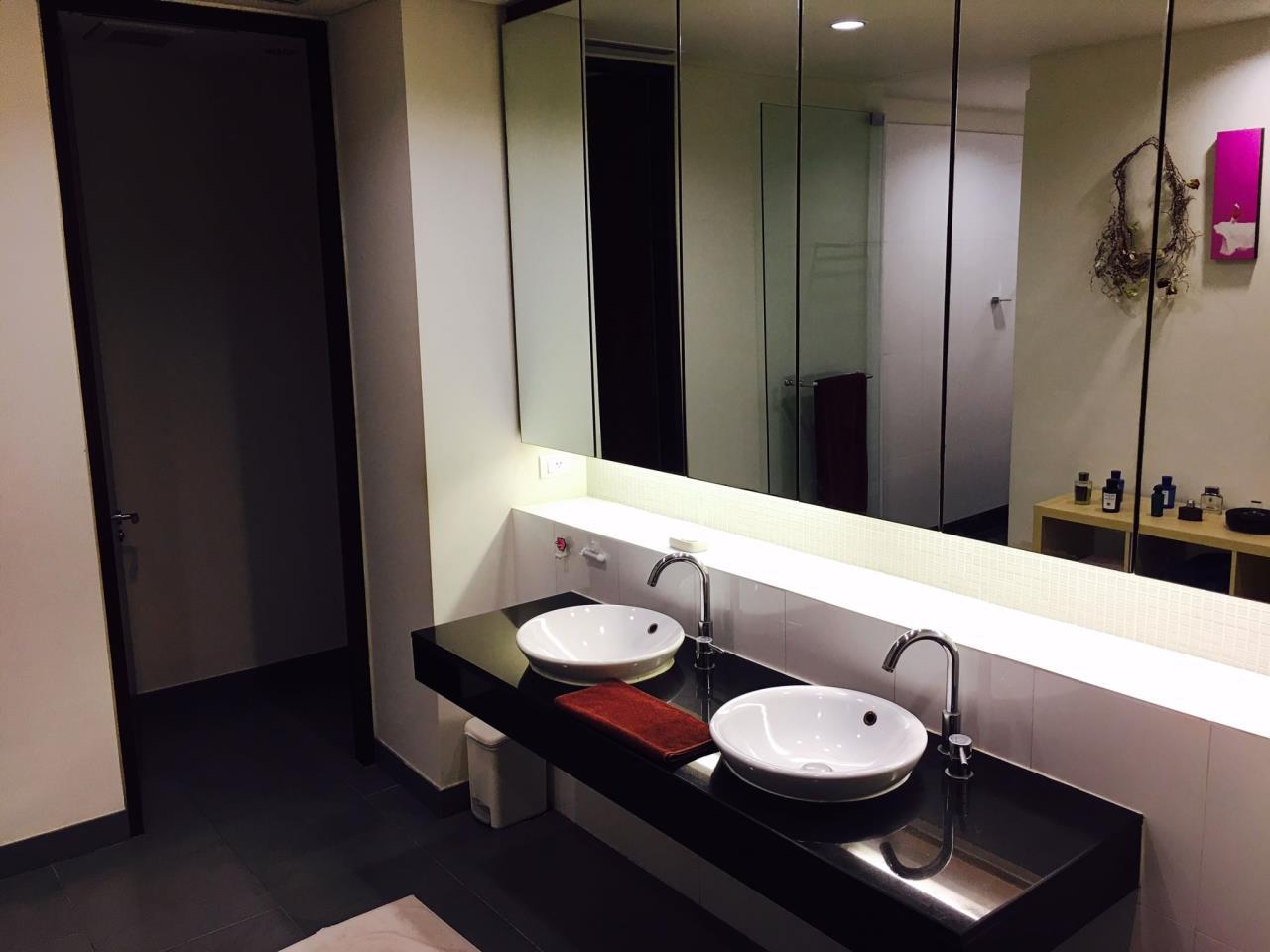 RE/MAX BestLife Agency's The Lakes, 2 Bedroom, 90K, 176SQM, High Floor, Asok 10