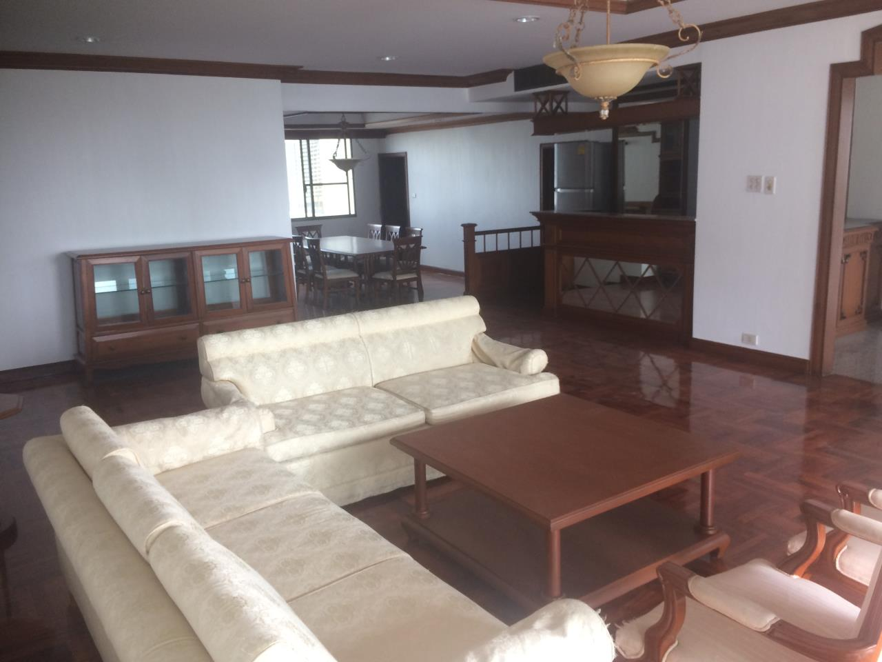 RE/MAX BestLife Agency's Charter House 3+1 Bedrooms, 75K, 320SQM Phrom Pong 1