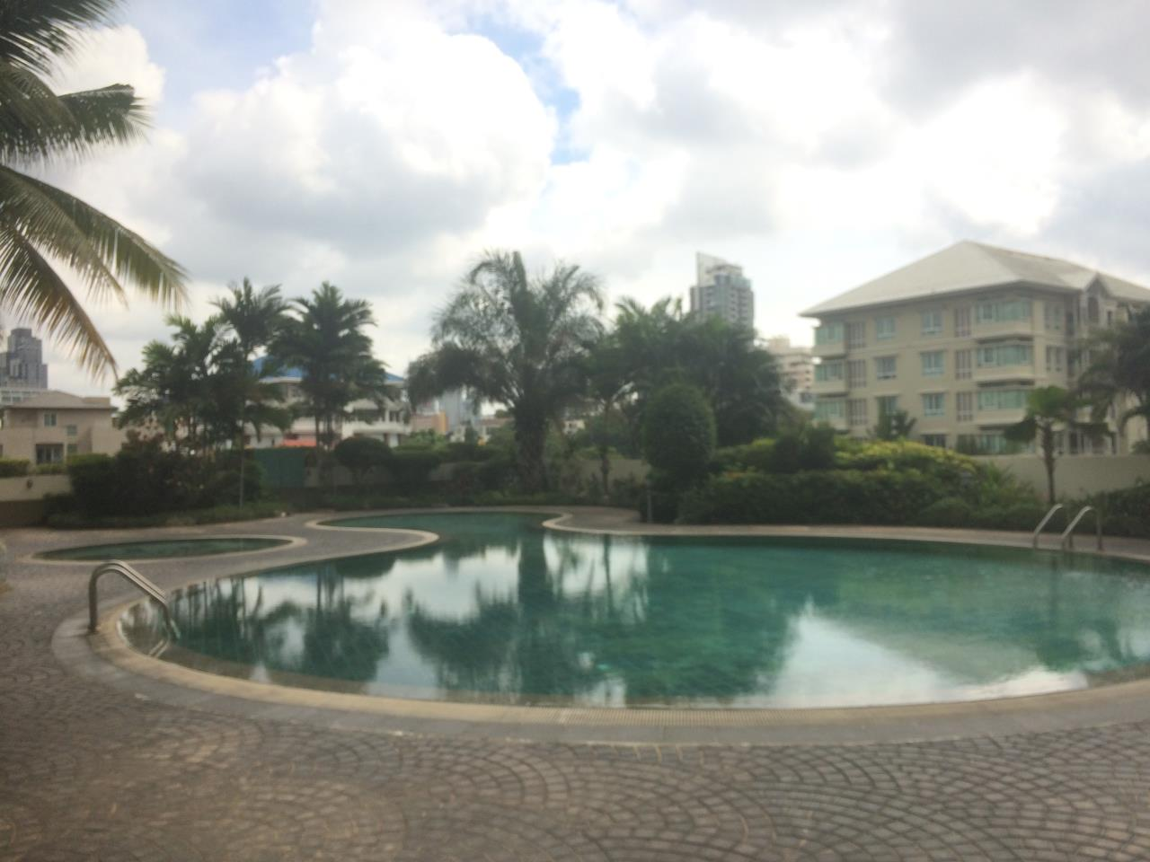 RE/MAX BestLife Agency's Charter House 3+1 Bedrooms, 75K, 320SQM Phrom Pong 10