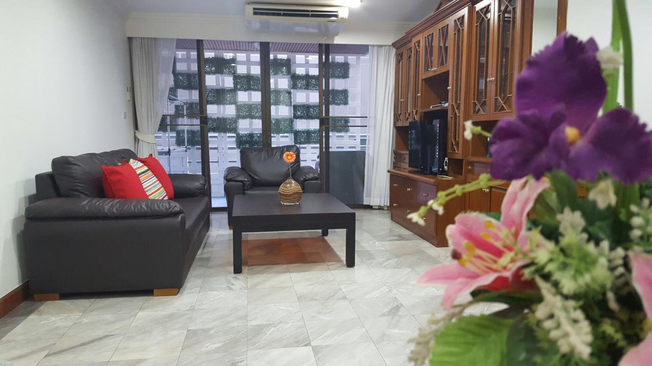 RE/MAX BestLife Agency's Acadamia Grand Tower 3 Bedrooms Phrom Pong 2
