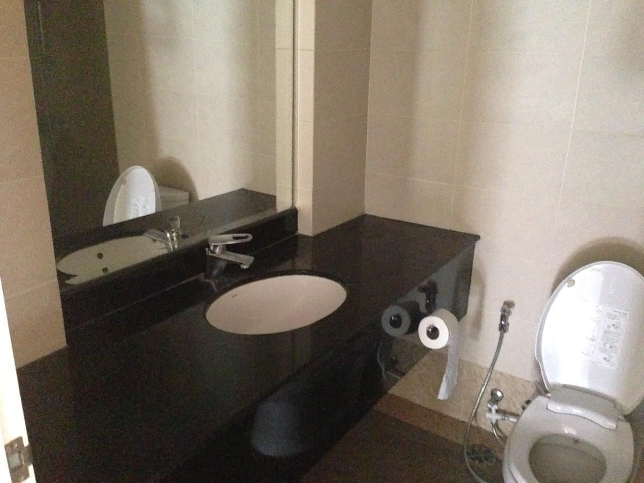 RE/MAX BestLife Agency's Prime Mansion Rent 2 Bedroom Phrom Pong 4
