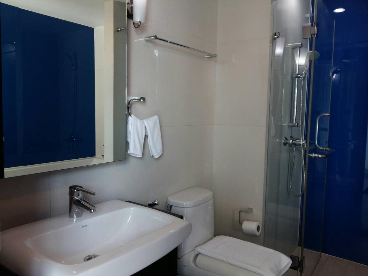 RE/MAX BestLife Agency's Mona Suite Sukhumvit 31 rent 2 Bedrooms Prom Pong  8