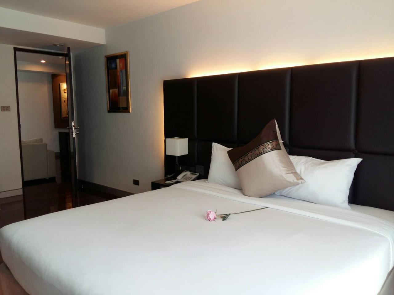 RE/MAX BestLife Agency's Mona Suite Sukhumvit 31 rent 2 Bedrooms Prom Pong  10