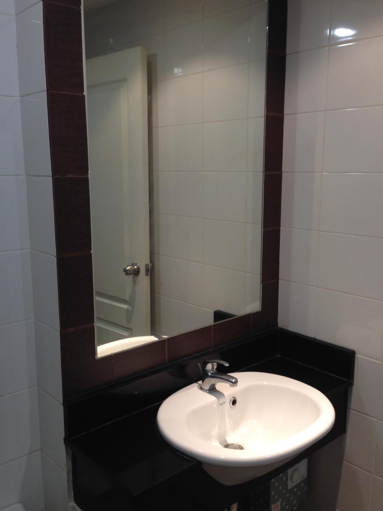 RE/MAX BestLife Agency's Link 5 Rent 2 Bedroom Duplex On Nut 13352180317 12