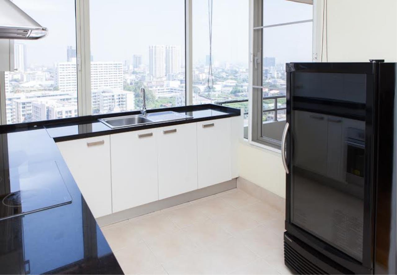 RE/MAX BestLife Agency's Hampton Court Rent 3 bedrooms Thong Lor 11