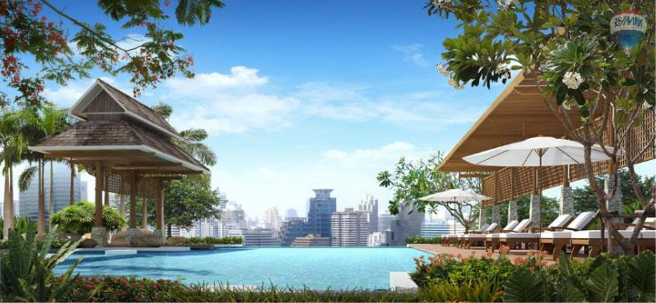 RE/MAX BestLife Agency's Sale Circle Petchaburi 1bedroom 47sqm. swiming pool view  1