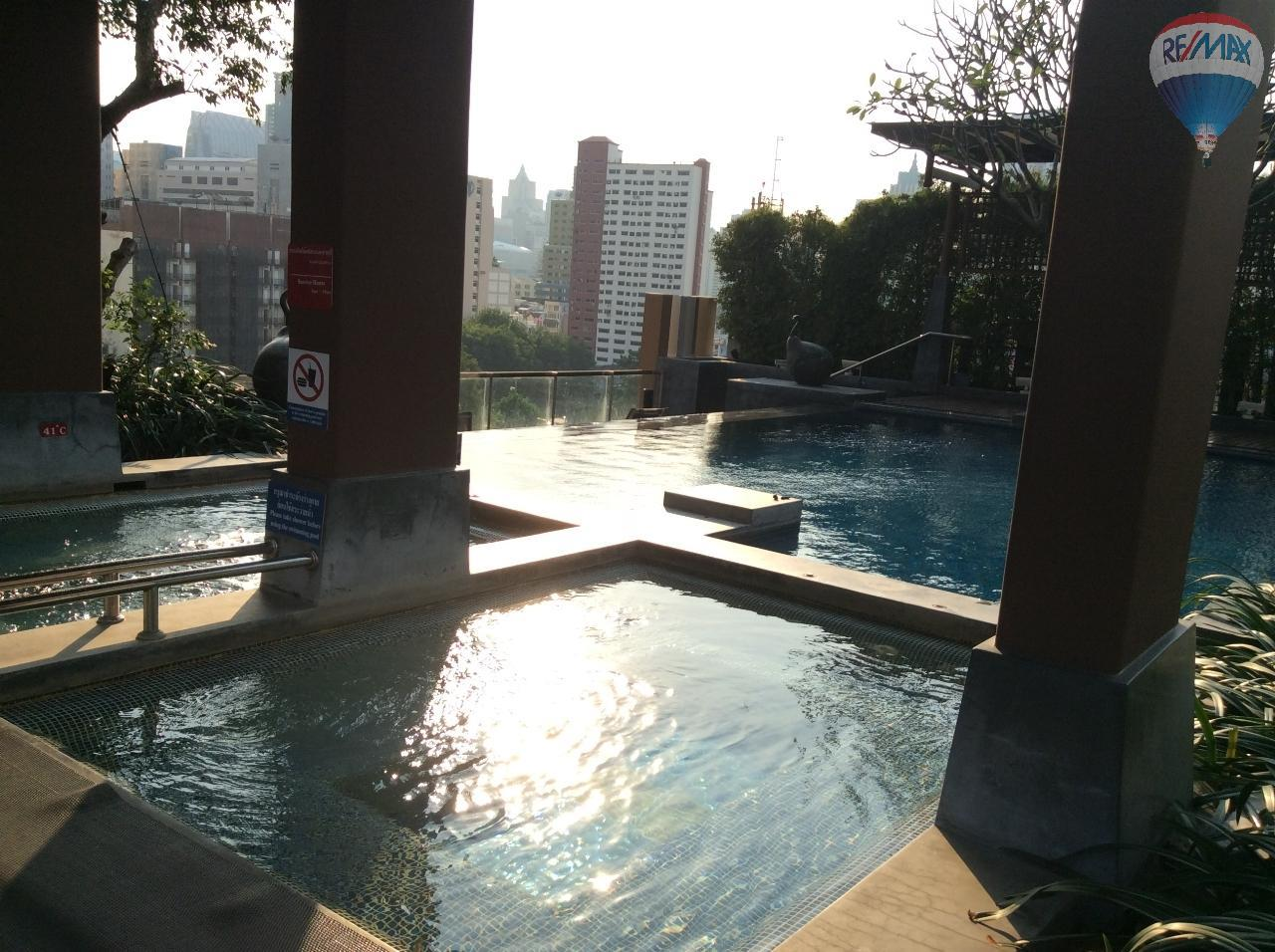 RE/MAX BestLife Agency's Sale Circle Petchaburi 1bedroom 47sqm. swiming pool view  14