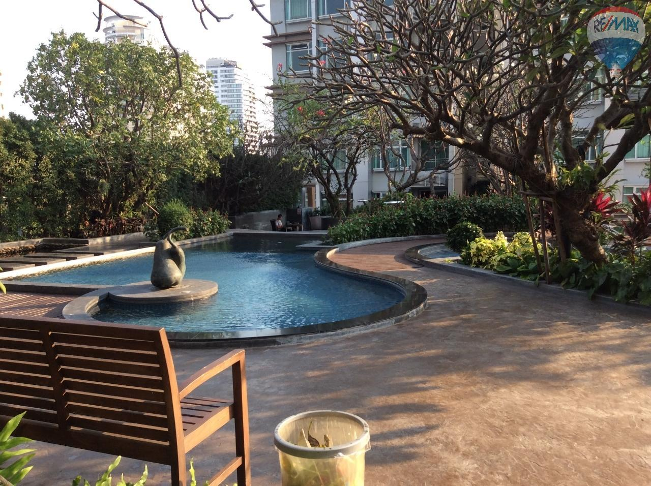 RE/MAX BestLife Agency's Sale Circle Petchaburi 1bedroom 47sqm. swiming pool view  2