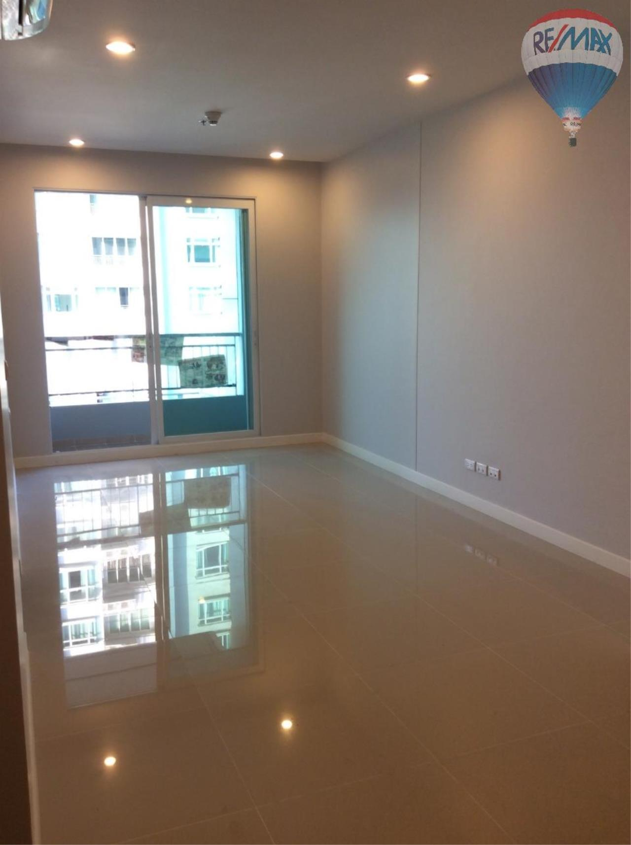 RE/MAX BestLife Agency's Sale Circle Petchaburi 1bedroom 47sqm. swiming pool view  22