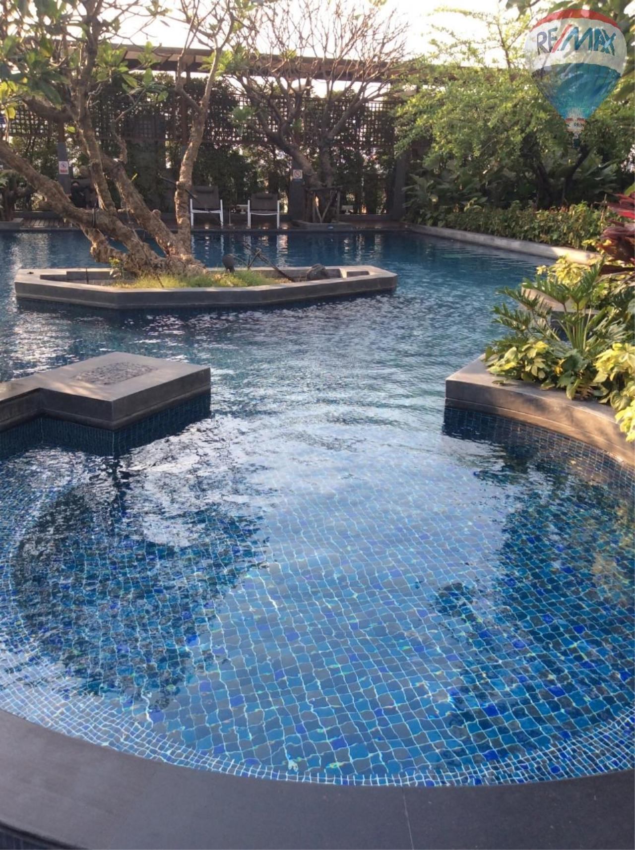 RE/MAX BestLife Agency's Sale Circle Petchaburi 1bedroom 47sqm. swiming pool view  9