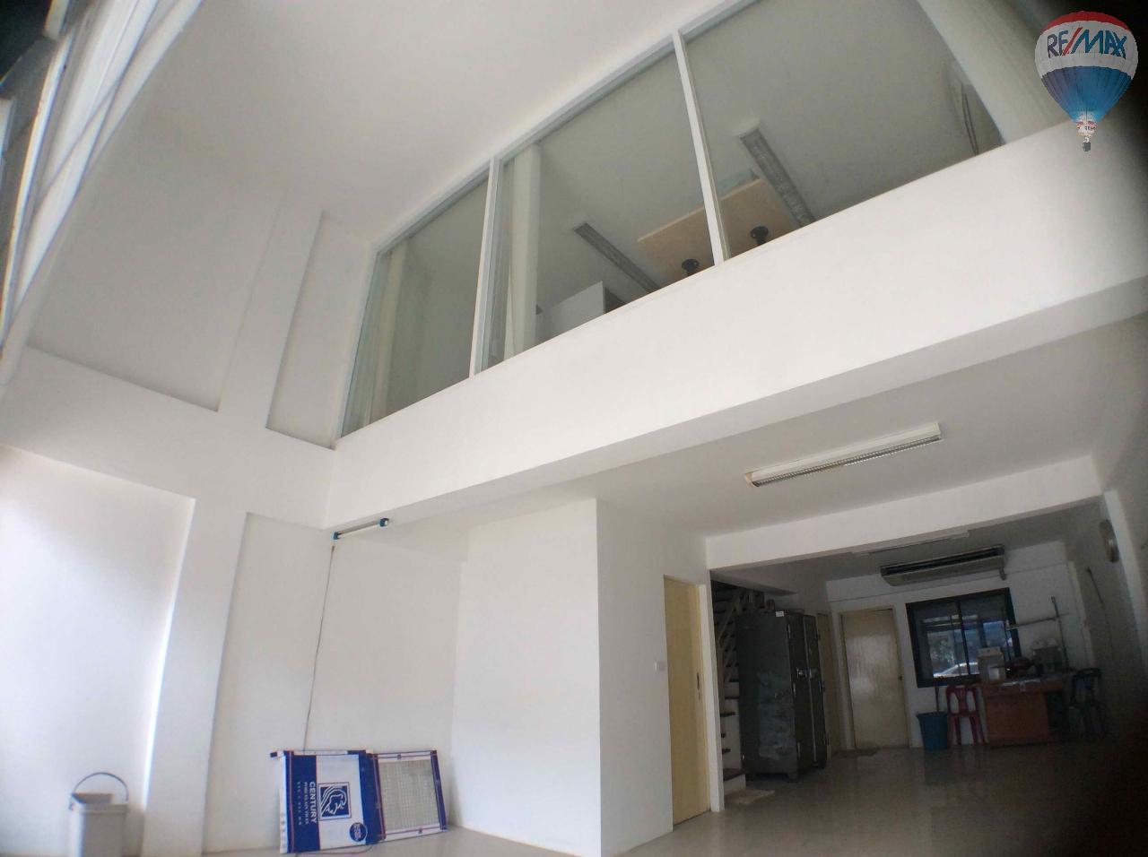 RE/MAX BestLife Agency's The Enter home office for sale on soi Kanchanaphisek 39 3