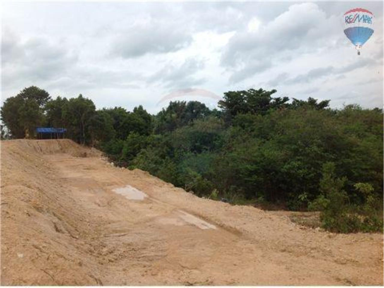 RE/MAX BestLife Agency's 2 plot of 4 Rai Each with sea view 2
