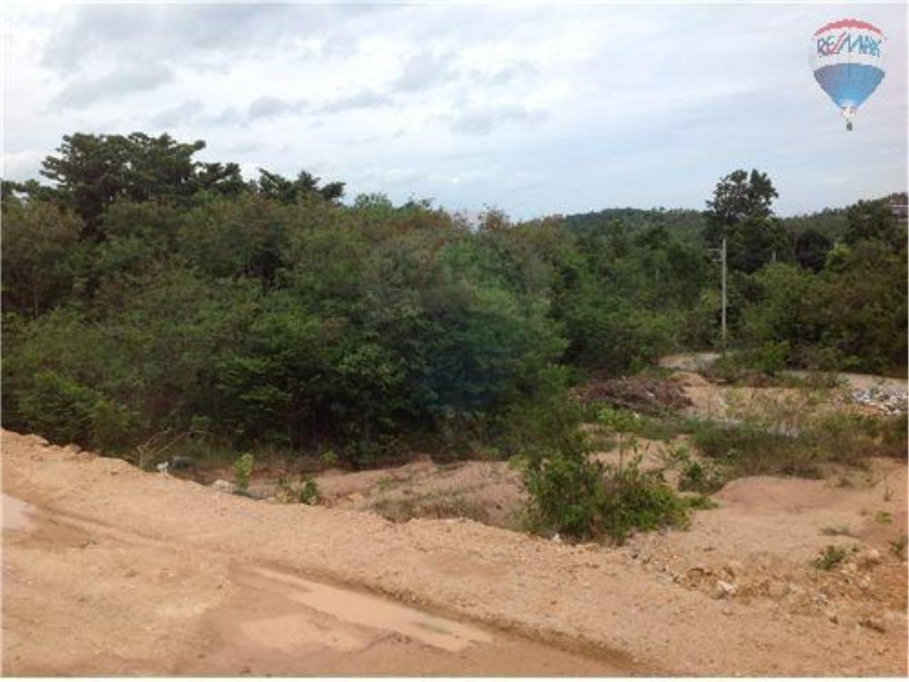 RE/MAX BestLife Agency's 2 plot of 4 Rai Each with sea view 4