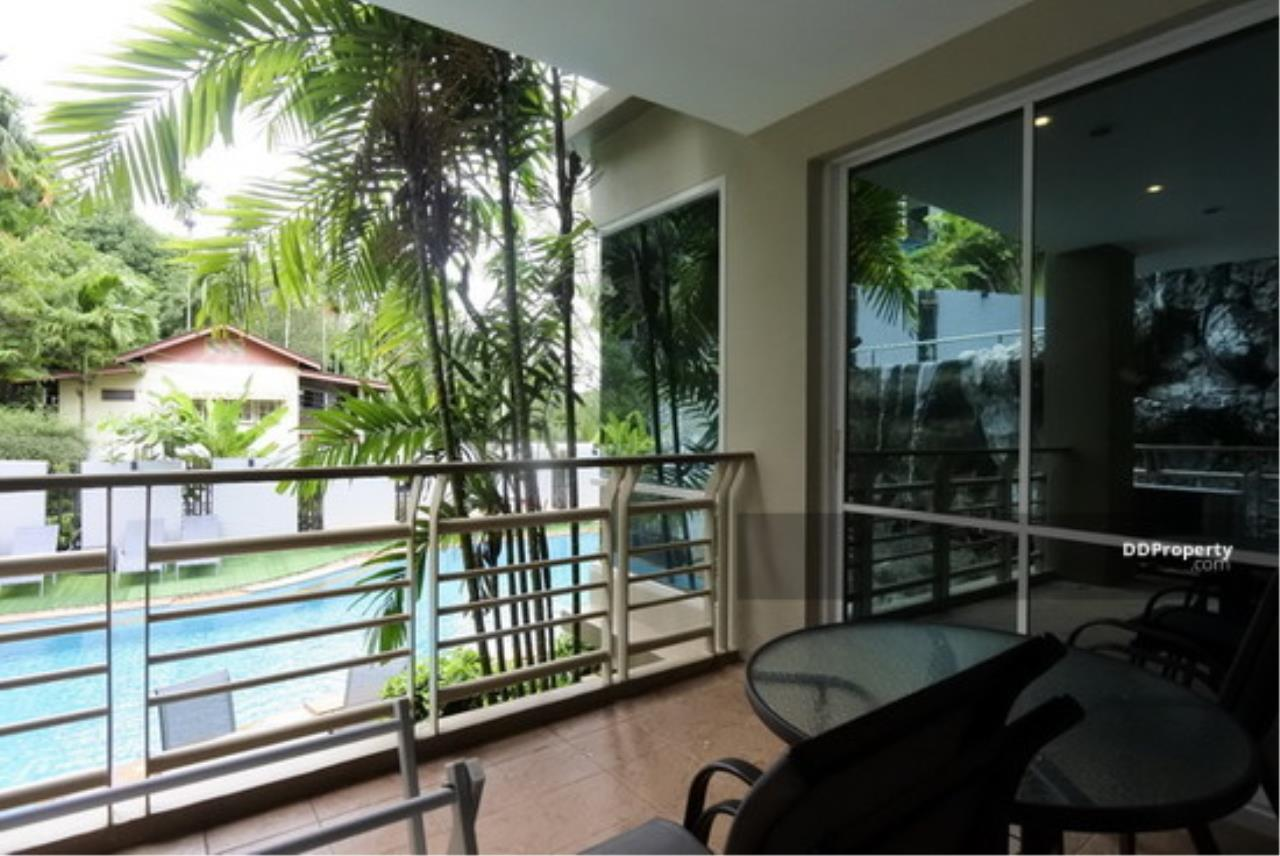 The Agent Property Agency's Karon View Condominium Size 156.25 sqm. Pool View 2 Bed 2 Bath 1 Floors 1 Balcony Wide View Pool Very good room Built-in good location near the beach, only 3 minutes to the beach, Jungceylon for rent, living. 15
