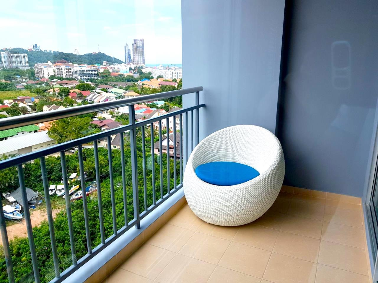 Immobilien Pattaya Agency's SUPALAI MARE, PATTAYA, 1 BEDROOM, 45 SQM., SEA VIEW, HIGH FLOOR 2