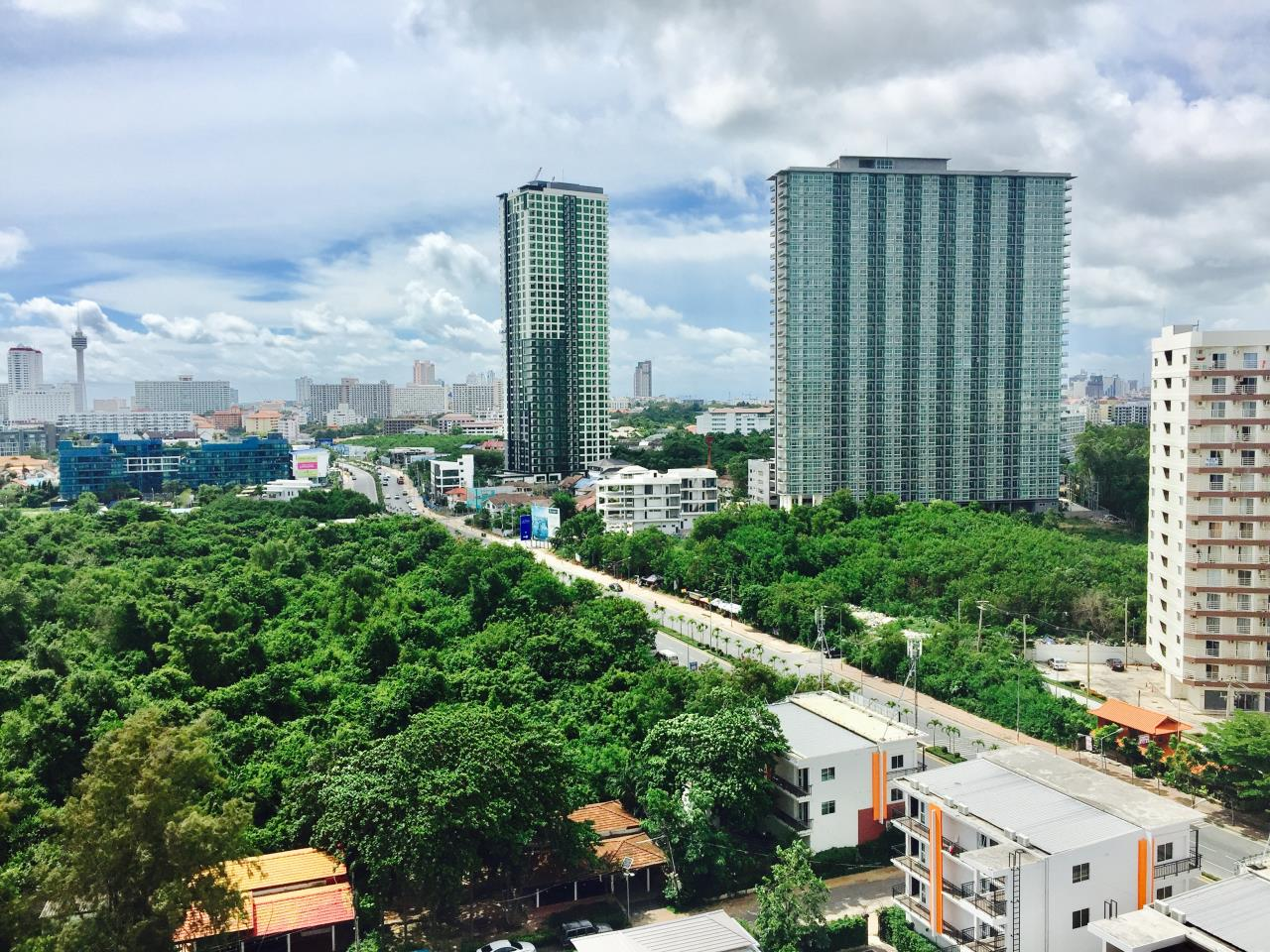 Immobilien Pattaya Agency's Jomtien Beach Condo S2, 32 Sqm. Studio, Sea View, Foreigner Quota 16
