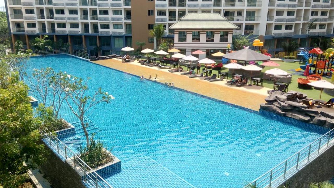 Immobilien Pattaya Agency's SALE Laguna Beach Resort 2 Pattaya, 24 Sqm. Studio, City View 2