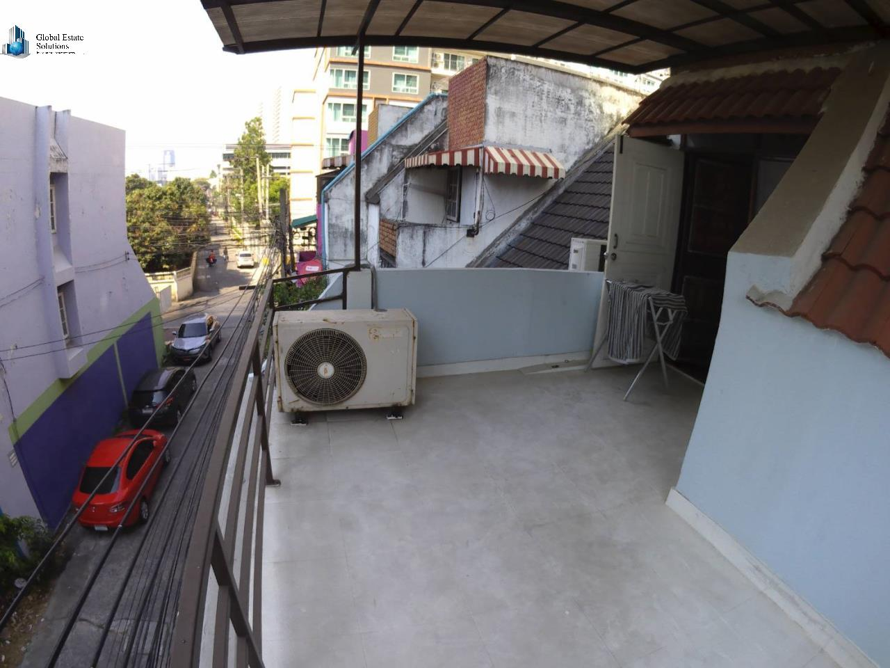Bangkok Property Solutions Co., Ltd. Agency's 5 Bedroom Townhouse Sukhumvit 39 (For Rent) 10