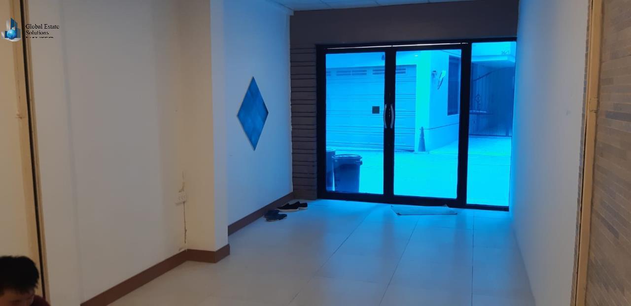 Bangkok Property Solutions Co., Ltd. Agency's Commercial Shop For Rent 1