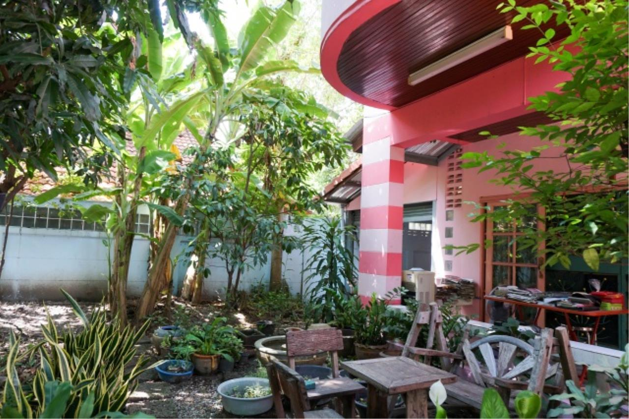 Agent - Aditep Agency's House for sale: Nakarin Garden village with office space on 120 sq.wah, total living area of ​​342 sq.m., suitable for both home office and residential. 4