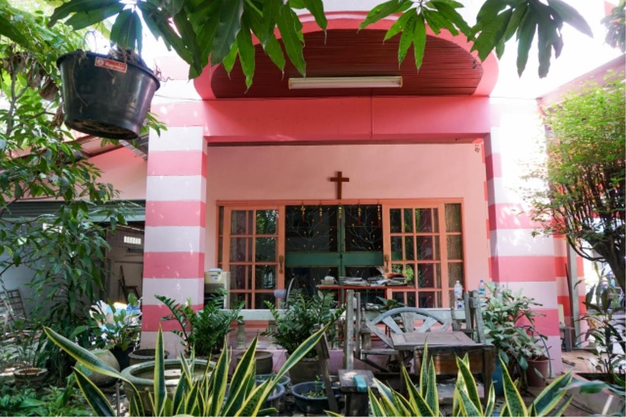 Agent - Aditep Agency's House for sale: Nakarin Garden village with office space on 120 sq.wah, total living area of 342 sq.m., suitable for both home office and residential. 5