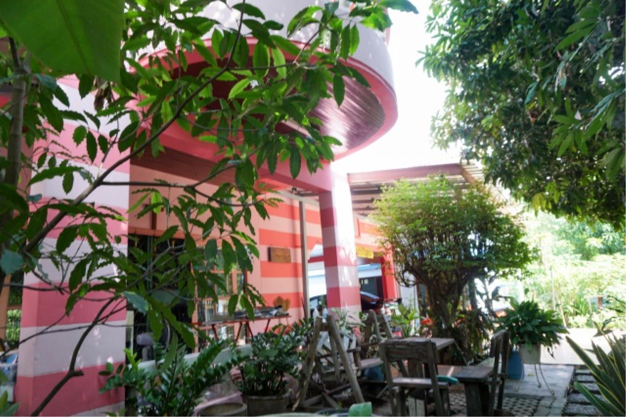 Agent - Aditep Agency's House for sale: Nakarin Garden village with office space on 120 sq.wah, total living area of 342 sq.m., suitable for both home office and residential. 6