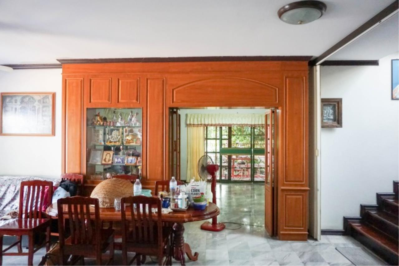 Agent - Aditep Agency's House for sale: Nakarin Garden village with office space on 120 sq.wah, total living area of 342 sq.m., suitable for both home office and residential. 10