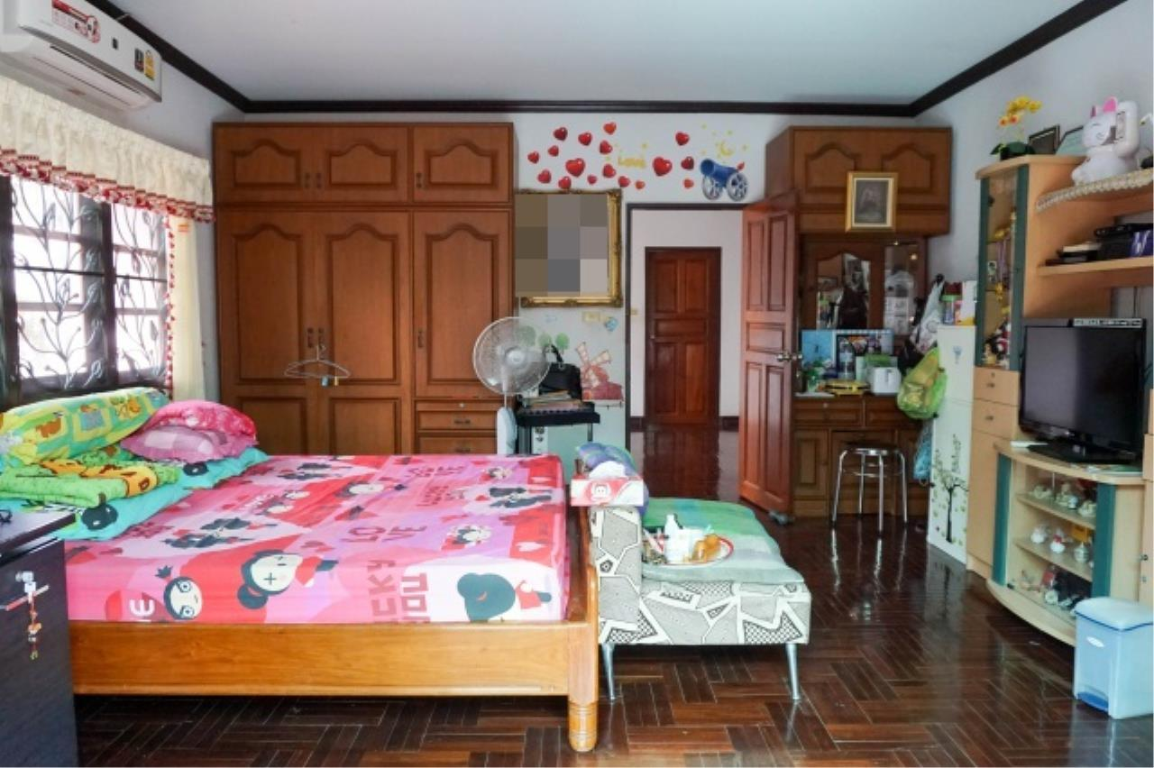 Agent - Aditep Agency's House for sale: Nakarin Garden village with office space on 120 sq.wah, total living area of 342 sq.m., suitable for both home office and residential. 23