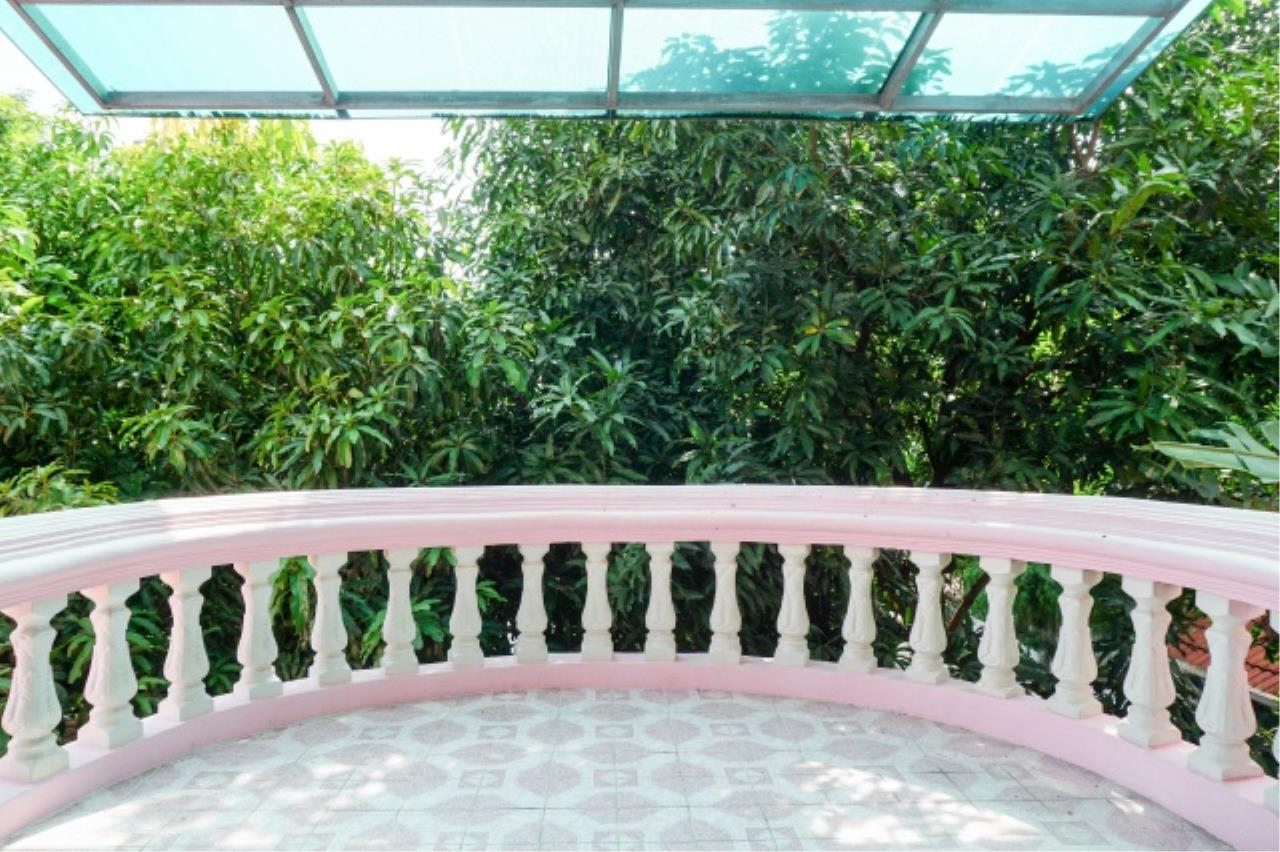 Agent - Aditep Agency's House for sale: Nakarin Garden village with office space on 120 sq.wah, total living area of 342 sq.m., suitable for both home office and residential. 12