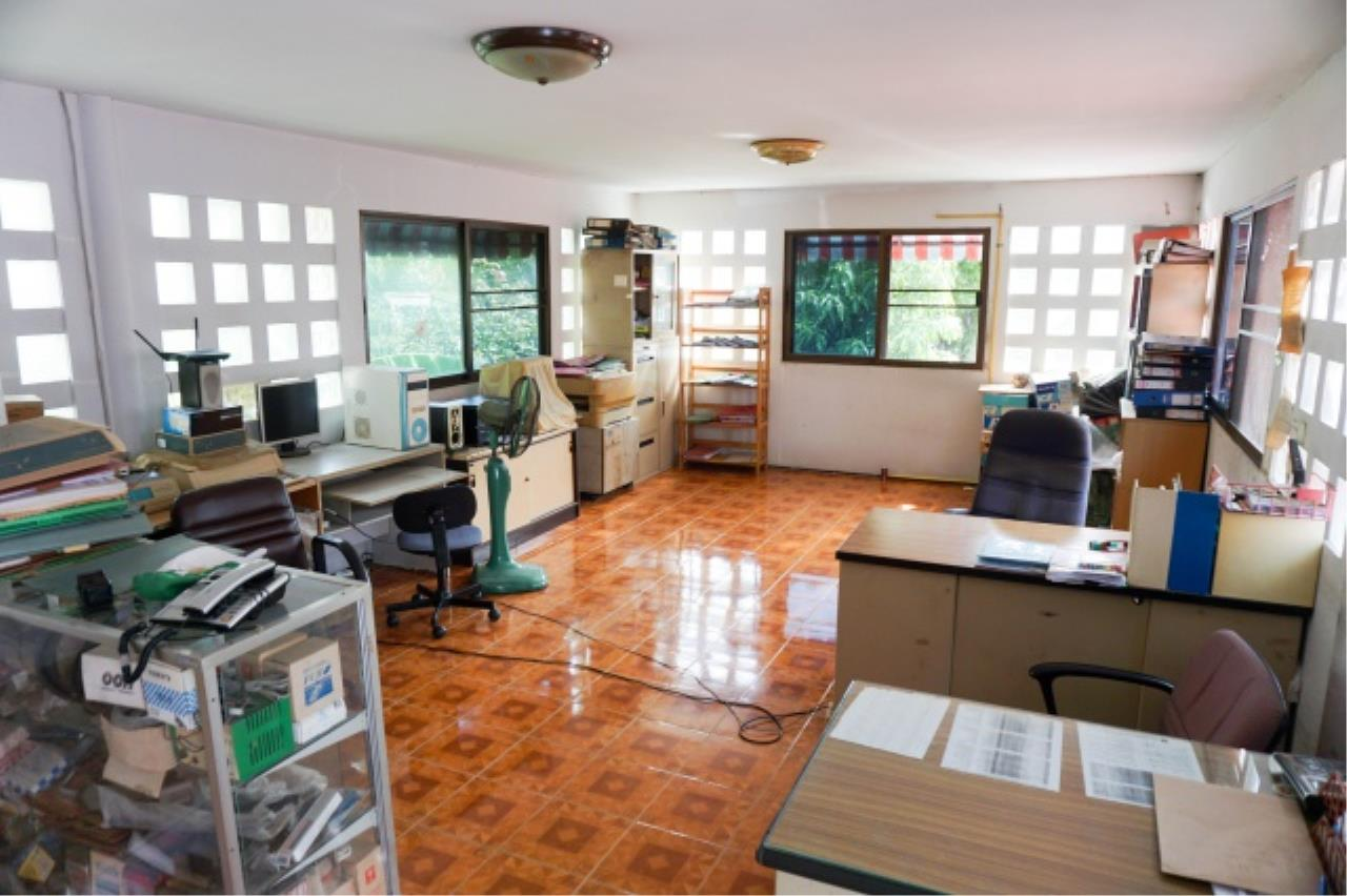 Agent - Aditep Agency's House for sale: Nakarin Garden village with office space on 120 sq.wah, total living area of ​​342 sq.m., suitable for both home office and residential. 16