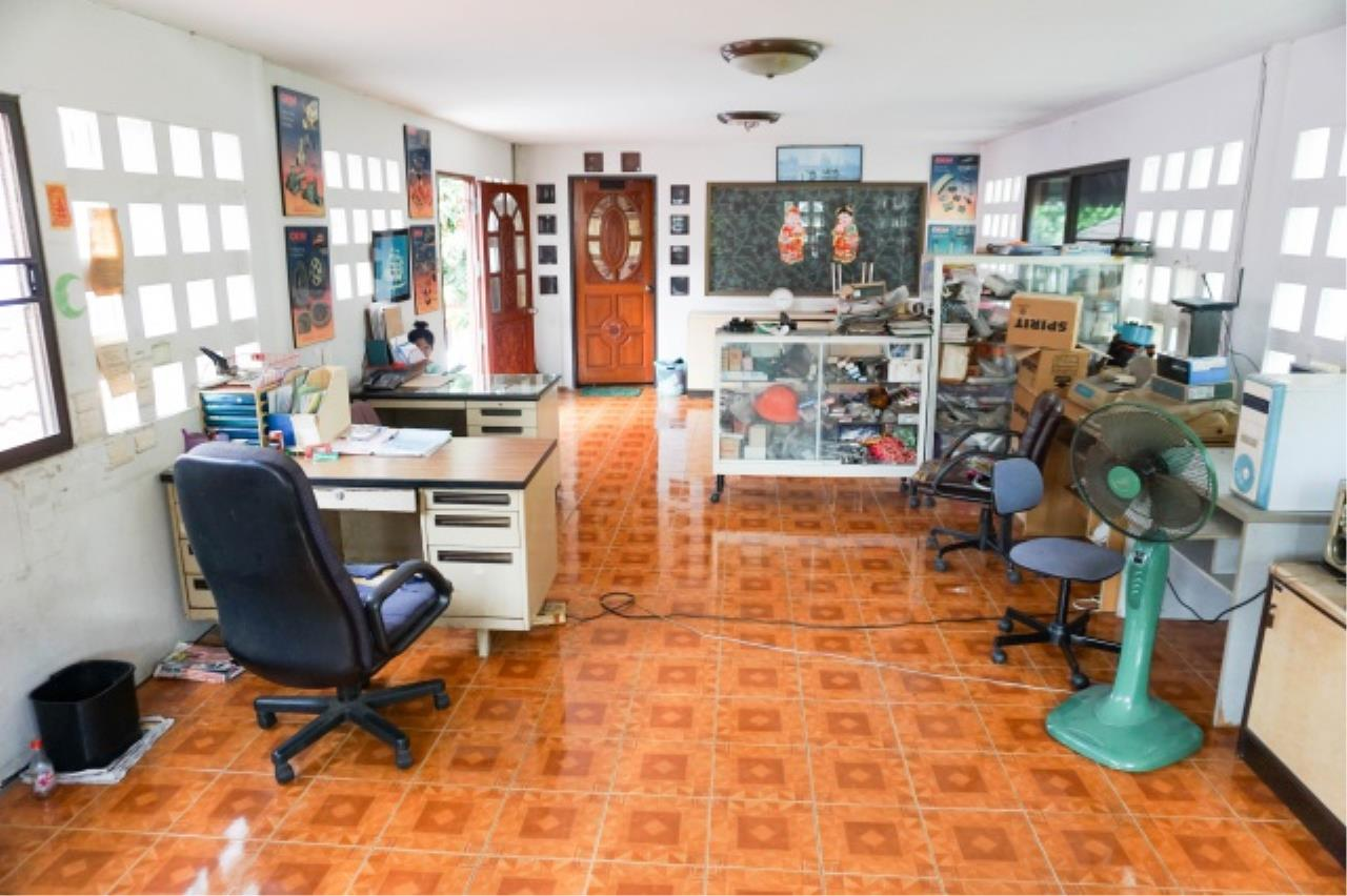 Agent - Aditep Agency's House for sale: Nakarin Garden village with office space on 120 sq.wah, total living area of 342 sq.m., suitable for both home office and residential. 17