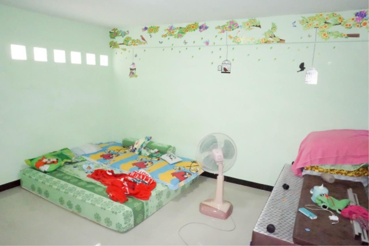 Agent - Aditep Agency's House for sale: Nakarin Garden village with office space on 120 sq.wah, total living area of 342 sq.m., suitable for both home office and residential. 21