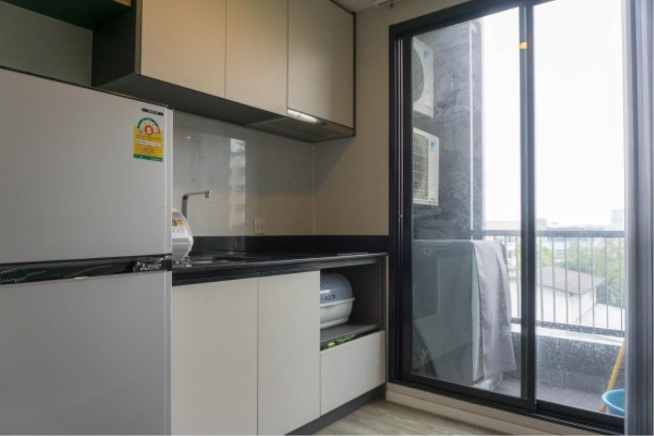 Agent - Aditep Agency's Condo for sale: VERY II Sukhumvit 72 only 600 m from BTS Bearing station, 1 bed 31 sqm. 9