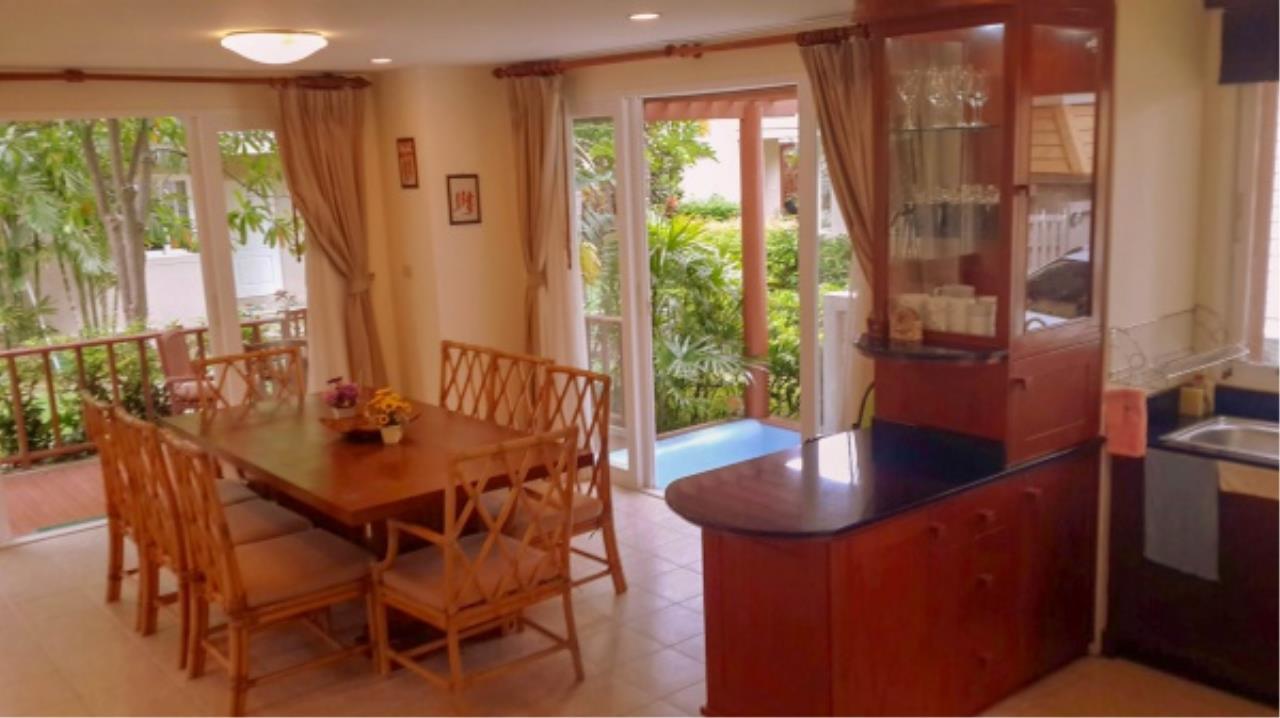 Agent - Aditep Pramorntat Agency's Fire Sell: Baan Talay Samran Beach Villa at Cha-am beachfront, 3 story 4 Bedrooms 4 Bathroom, Foreigner can own 4