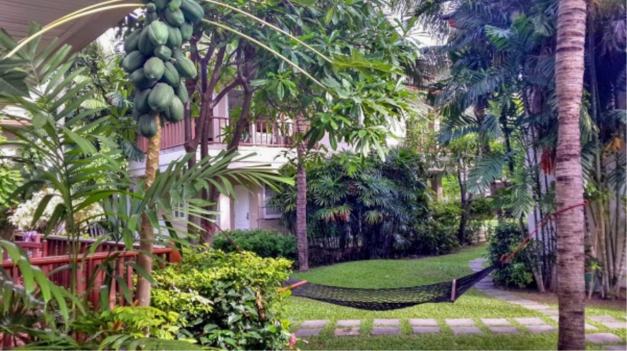 Agent - Aditep Pramorntat Agency's Fire Sell: Baan Talay Samran Beach Villa at Cha-am beachfront, 3 story 4 Bedrooms 4 Bathroom, Foreigner can own 13