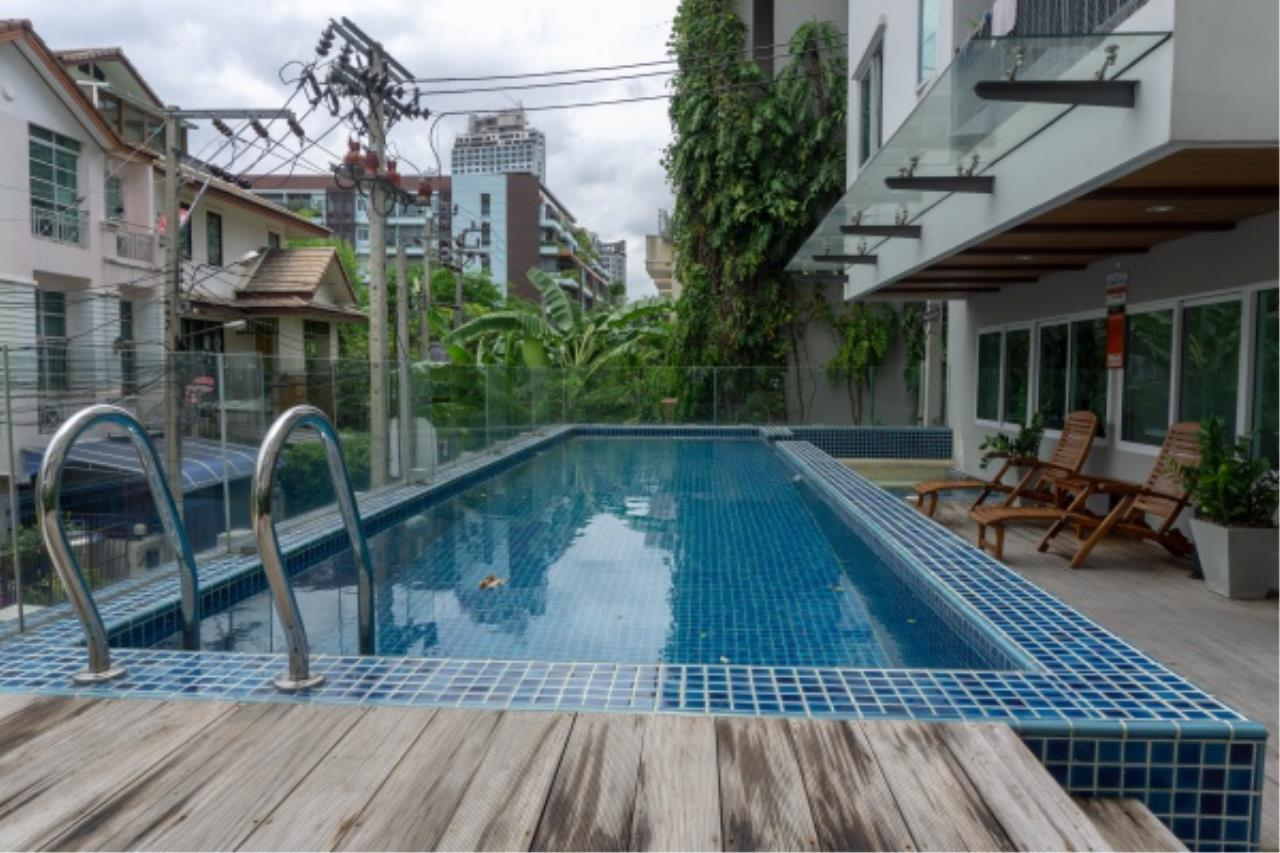 Agent - Aditep Pramorntat Agency's Sale! Residence 52 condo @ BTS On-Nut, Just 96k Baht/sq.m., only 400 m from BTS, 1 bedroom 34 sqm Fully Furnished Ready to Move-in. 16