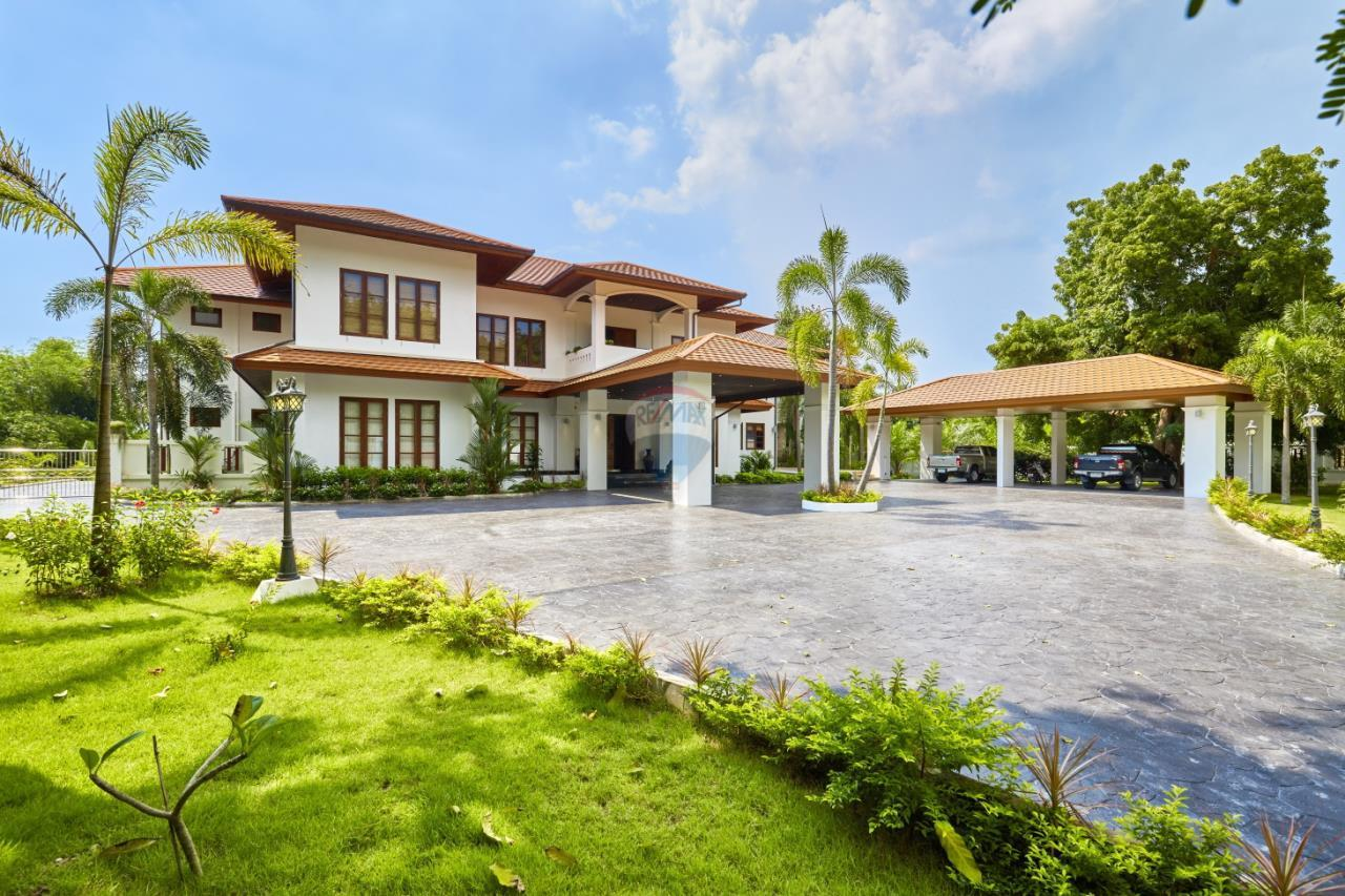 RE/MAX Real Estate Pros Agency's Rayong Luxury House for Sale near Central Plaza 3