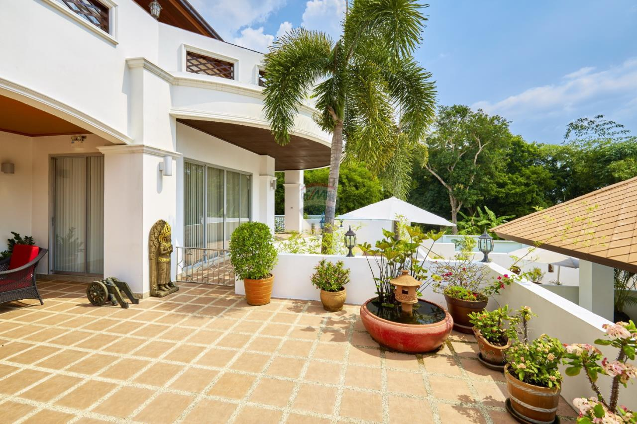 RE/MAX Real Estate Pros Agency's Rayong Luxury House for Sale near Central Plaza 44