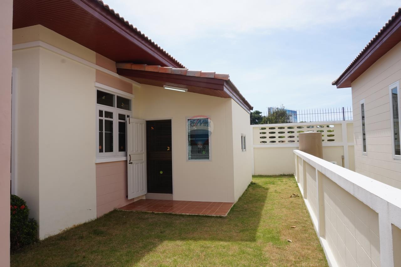 RE/MAX Real Estate Pros Agency's Singgle House For Sale MuangRayong  8