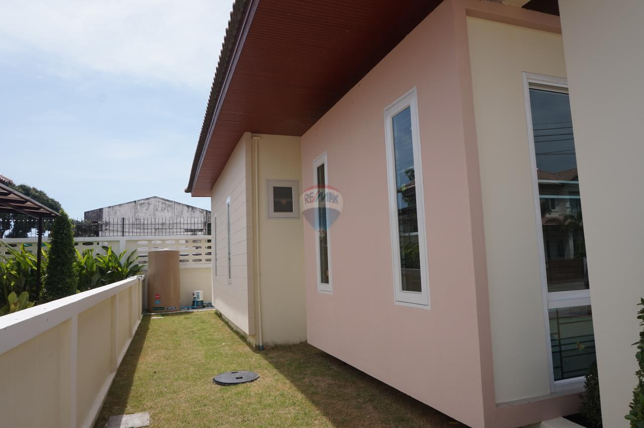 RE/MAX Real Estate Pros Agency's Singgle House For Sale MuangRayong  7