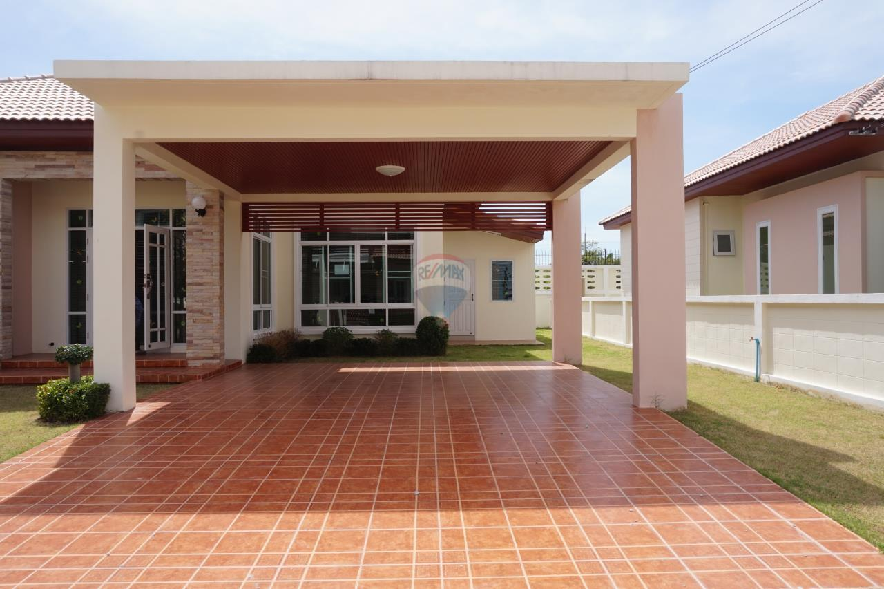 RE/MAX Real Estate Pros Agency's Singgle House For Sale MuangRayong  5