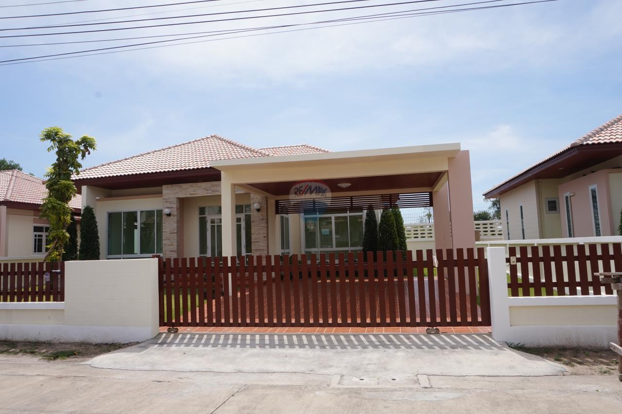RE/MAX Real Estate Pros Agency's Singgle House For Sale MuangRayong  2
