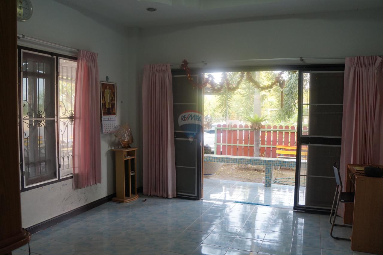 RE/MAX Real Estate Pros Agency's Single House for sale Bonruksa 2 Villa Thap Ma Muang Rayong ,Rayong 16