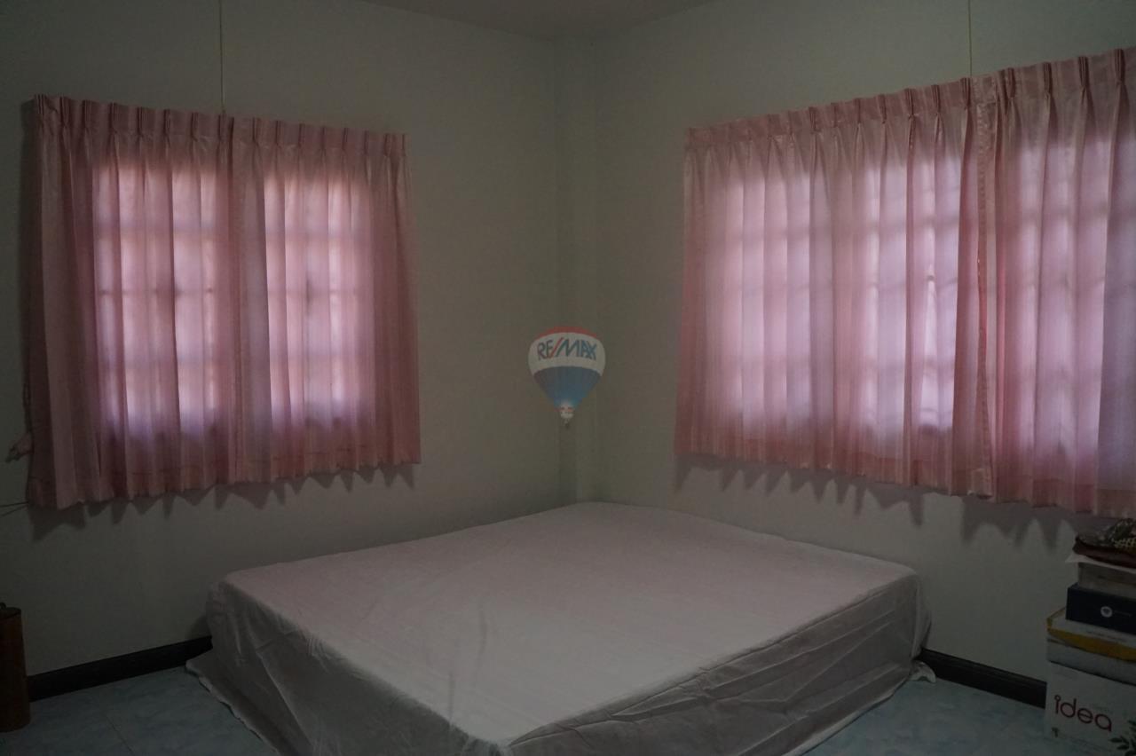 RE/MAX Real Estate Pros Agency's Single House for sale Bonruksa 2 Villa Thap Ma Muang Rayong ,Rayong 17