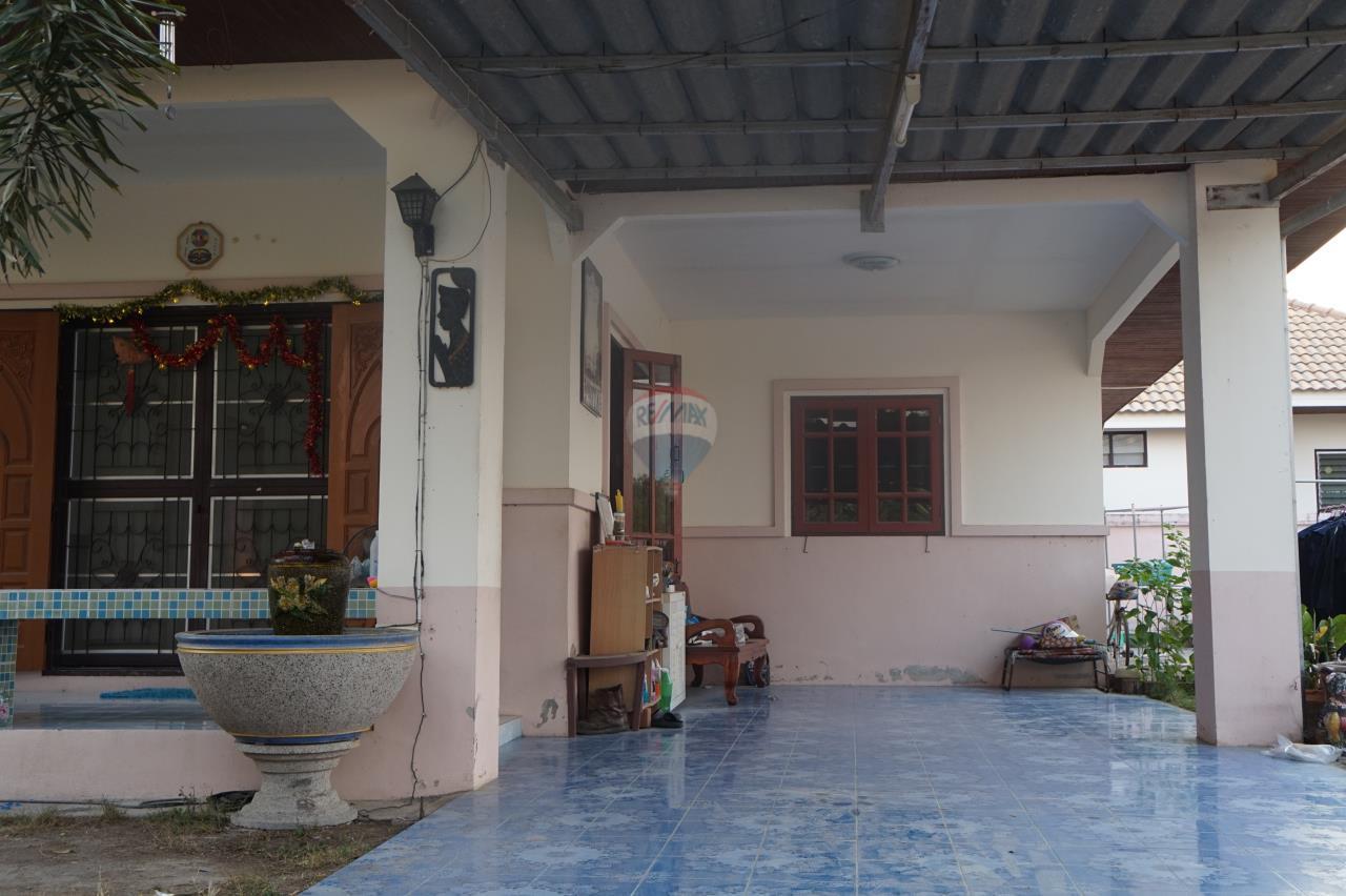 RE/MAX Real Estate Pros Agency's Single House for sale Bonruksa 2 Villa Thap Ma Muang Rayong ,Rayong 6