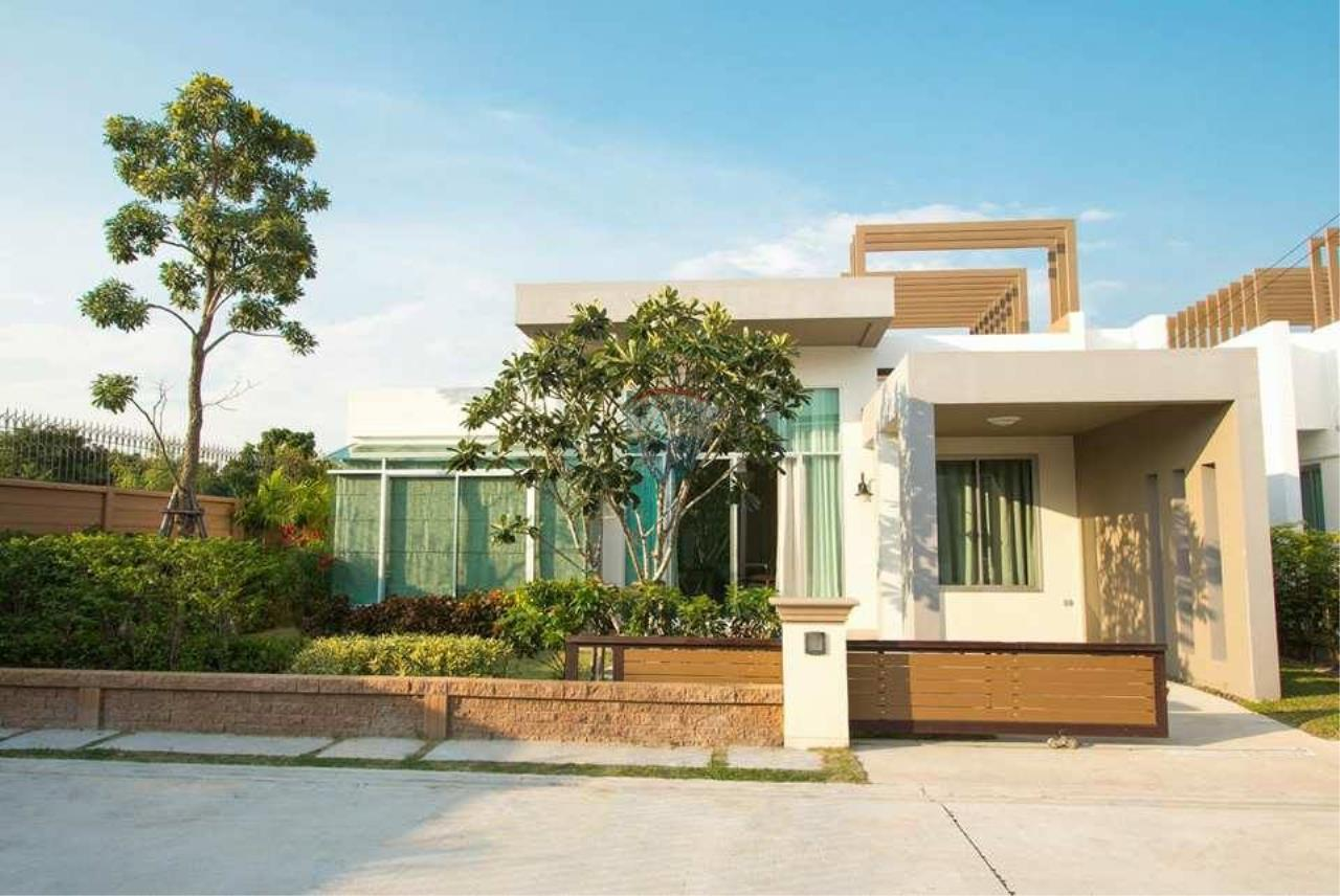 RE/MAX Real Estate Pros Agency's Single House near HadMaeLamPhueng Beach 200meters Muang Rayong 1